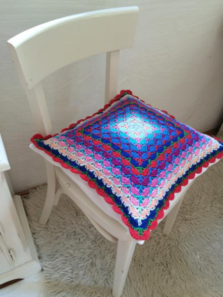 crochet pillow (3)