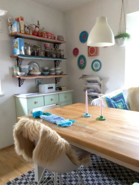 h keln. Black Bedroom Furniture Sets. Home Design Ideas