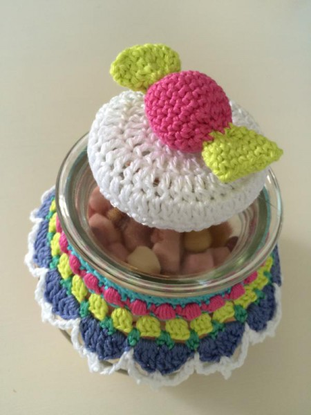crochet glass cover (1)