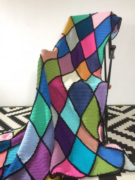 Applaus - crochet blanket oder Häkeldecke im Rautenmuster - Häkelfieber
